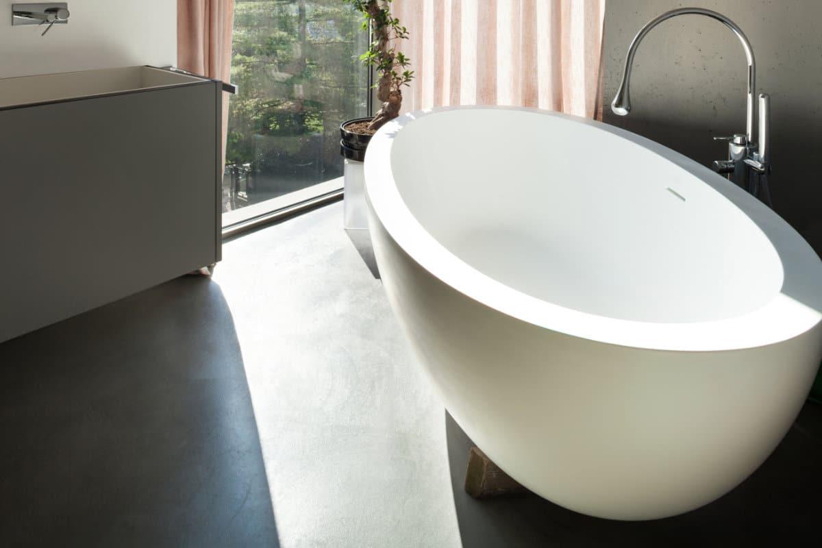 Betonvloer in de badkamer mogelijkheden en hun prijzen for Badkamer zelf maken